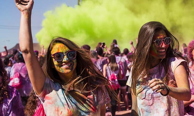 playing holi safely