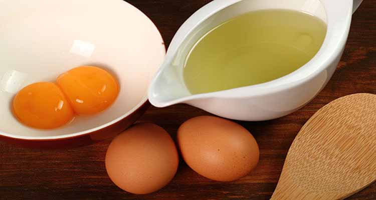 Treat your hair with eggs