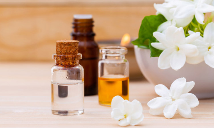 How Jasmine Oil Benefits Your Hair And Skin