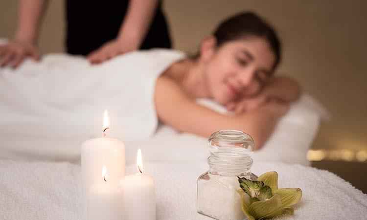 ayurvedic massage techniques