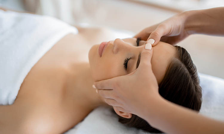 Why oil massage is important & best oil you should choose for massage