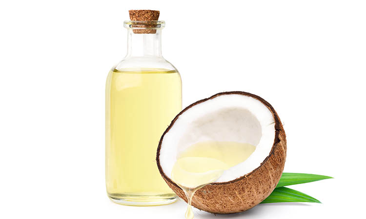 Coconut oil helps to strengthen the hair